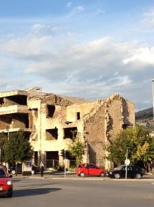 内戦で壊れた建物
