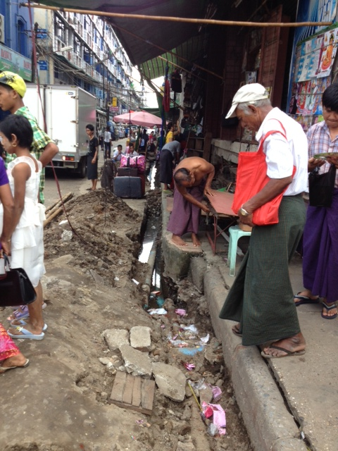 ヤンゴンの町