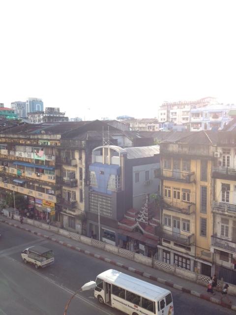 ミャンマーの首都ヤンゴンの町並み